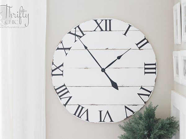 Wood-Farmhouse-Clock