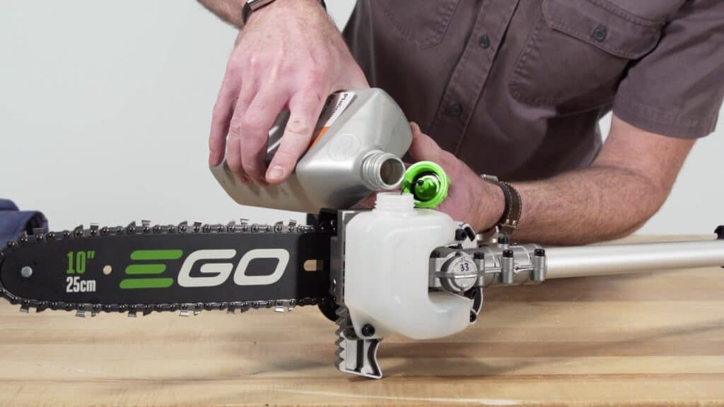 How To Oil A Pole Saw Correctly